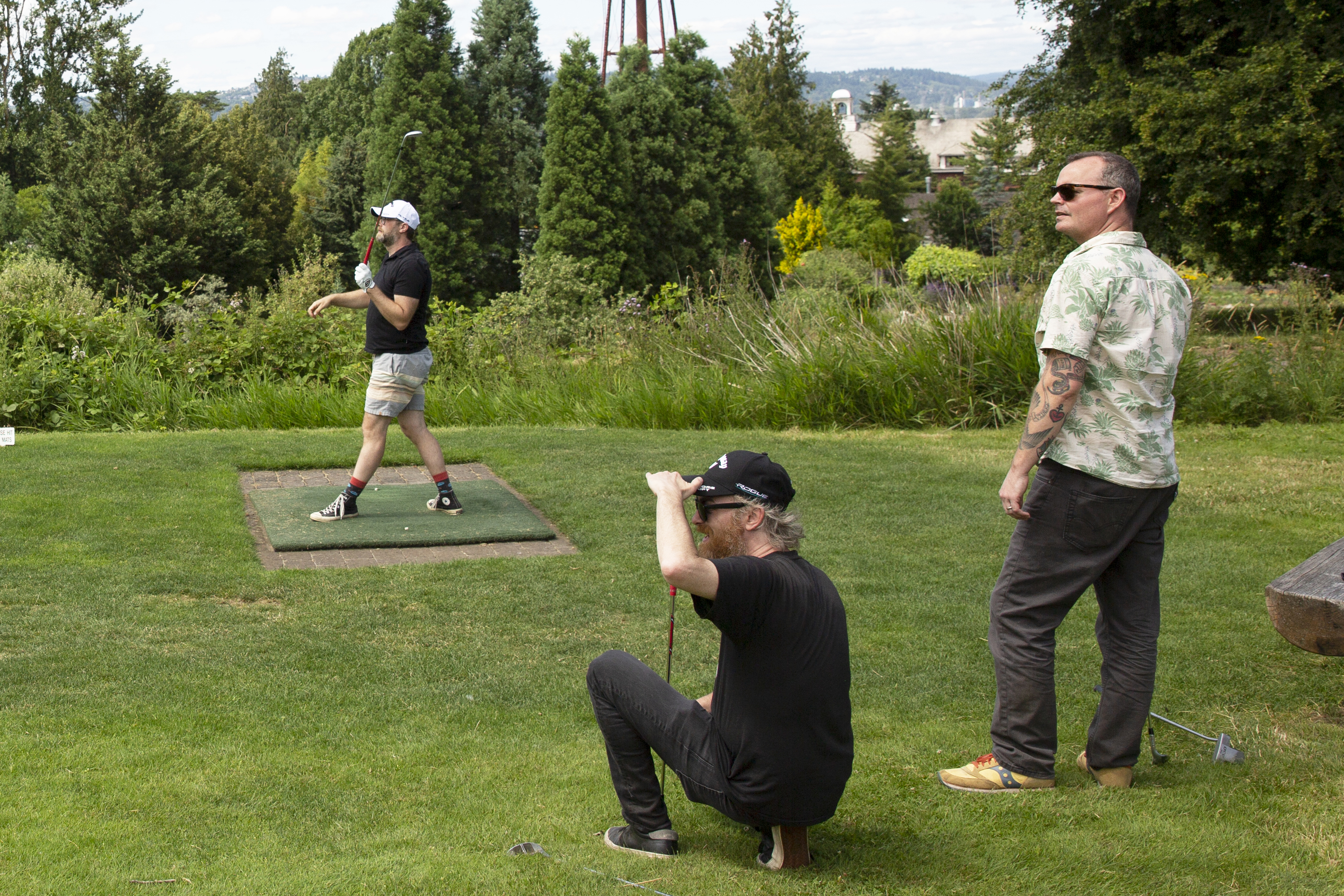 Red Fang eyeing down a tee shot